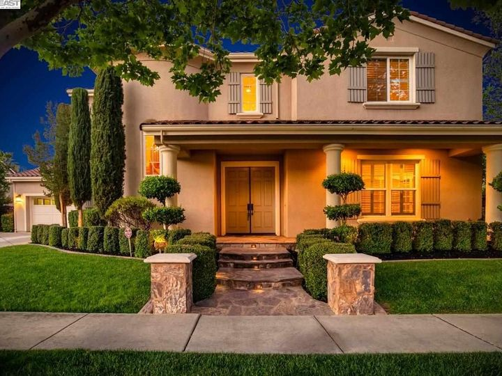 1153 Laguna Creek Ln Pleasanton CA Home. Photo 2 of 40