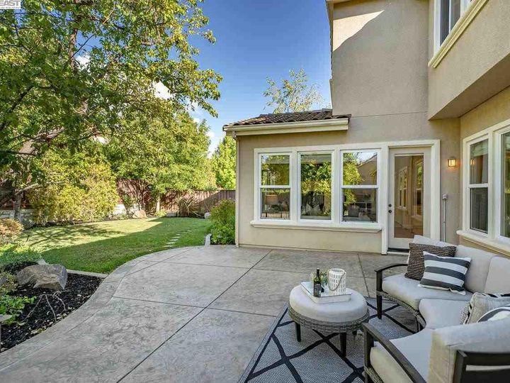 1153 Laguna Creek Ln Pleasanton CA Home. Photo 34 of 40