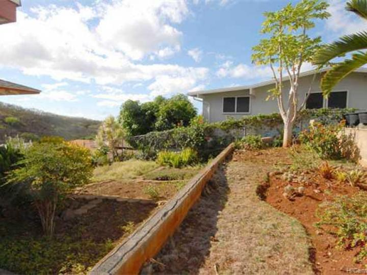 1696 Haku St Honolulu HI Home. Photo 8 of 10