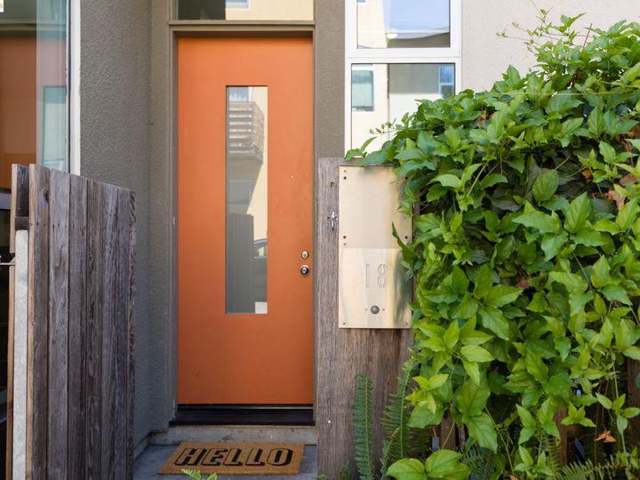 18 Ealing Ln, Oakland, CA, 94608 Townhouse. Photo 2 of 24