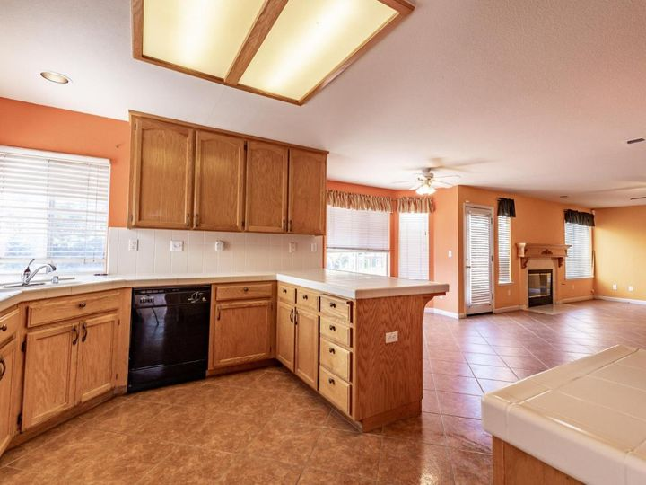 2180 Clearview Dr Hollister CA Home. Photo 13 of 34