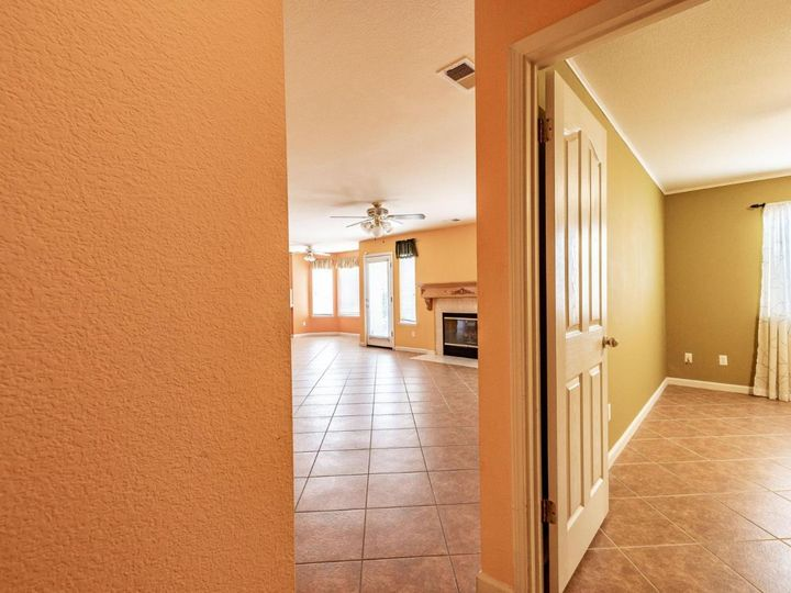 2180 Clearview Dr Hollister CA Home. Photo 18 of 34