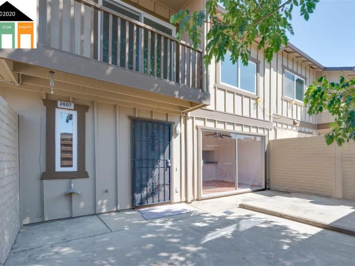 2607 Carleton Ln, Antioch, CA, 94509 Townhouse. Photo 2 of 29