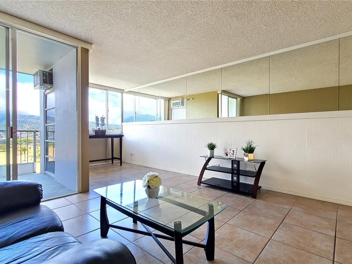 Canal House condo #1206. Photo 4 of 16