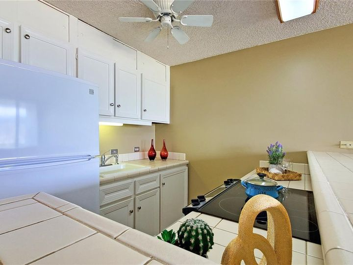Canal House condo #1206. Photo 6 of 16