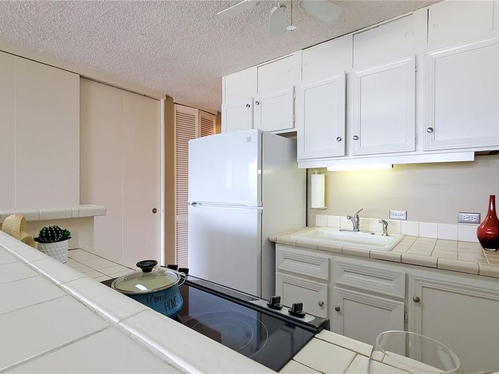 Canal House condo #1206. Photo 7 of 16