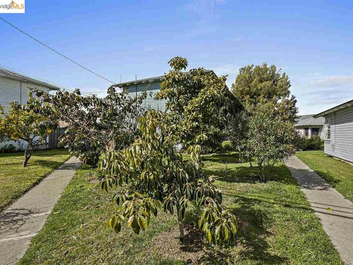 328 W Macdonald Ave, Richmond, CA, 94801 Townhouse. Photo 21 of 25