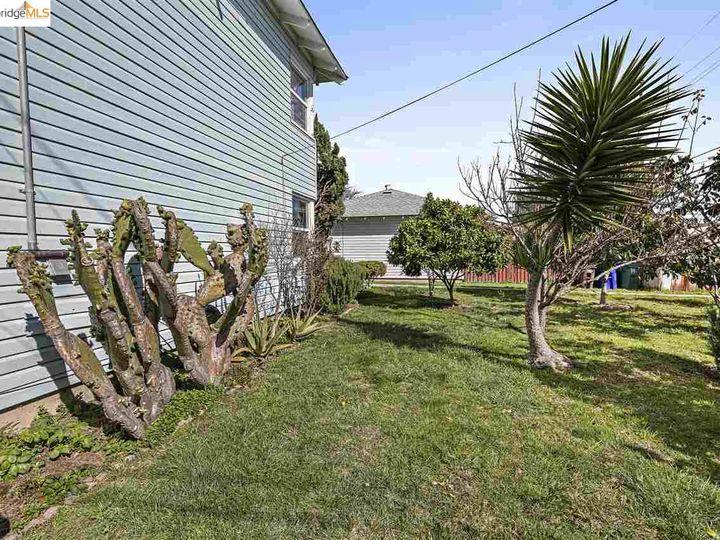 328 W Macdonald Ave, Richmond, CA, 94801 Townhouse. Photo 24 of 25