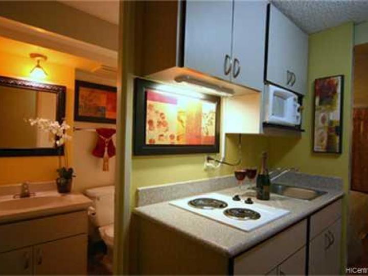 Rental 445 Seaside Ave unit #2206, Honolulu, HI, 96815. Photo 5 of 10