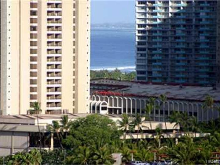 Rental 445 Seaside Ave unit #2206, Honolulu, HI, 96815. Photo 8 of 10