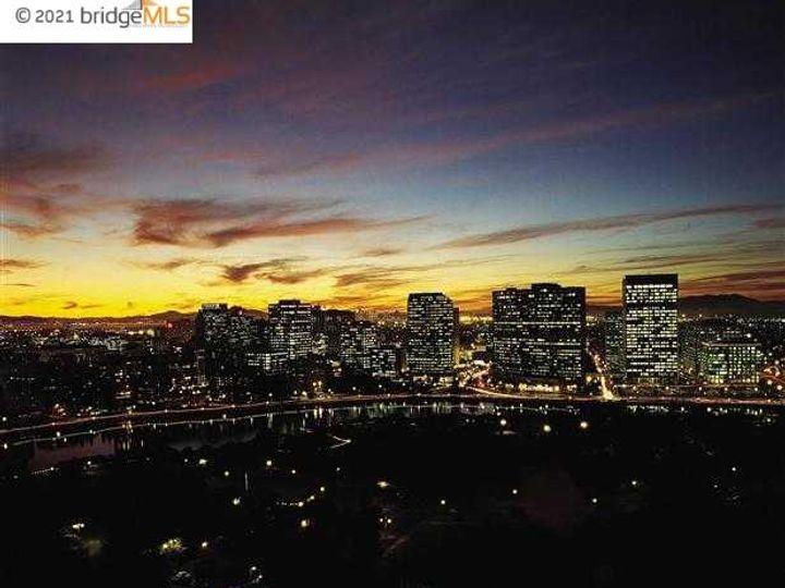 Park Bellevue condo #1803. Photo 35 of 40
