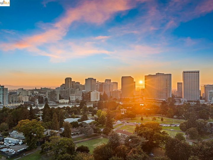 Park Bellevue condo #1803. Photo 37 of 40