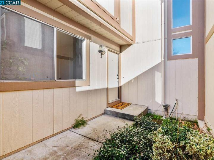 6477 Northpointe Ct, Martinez, CA, 94553 Townhouse. Photo 5 of 37