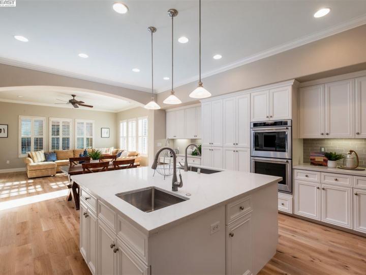 7276 Huntswood Ct Pleasanton CA Home. Photo 9 of 40