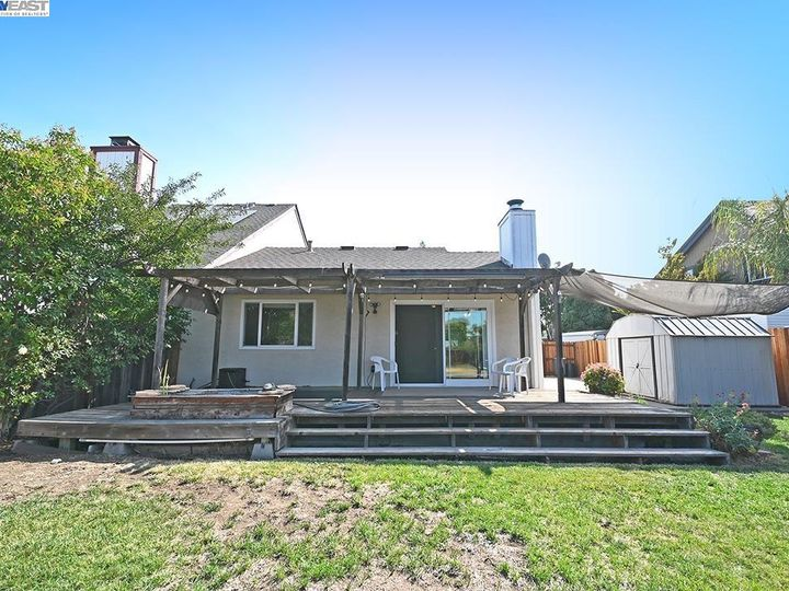 836 Bellflower St Livermore CA Multi-family home. Photo 21 of 23