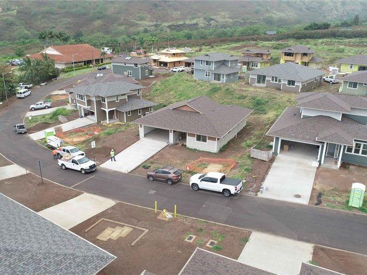 84-50 Maiola Pl Waianae HI Home. Photo 3 of 10