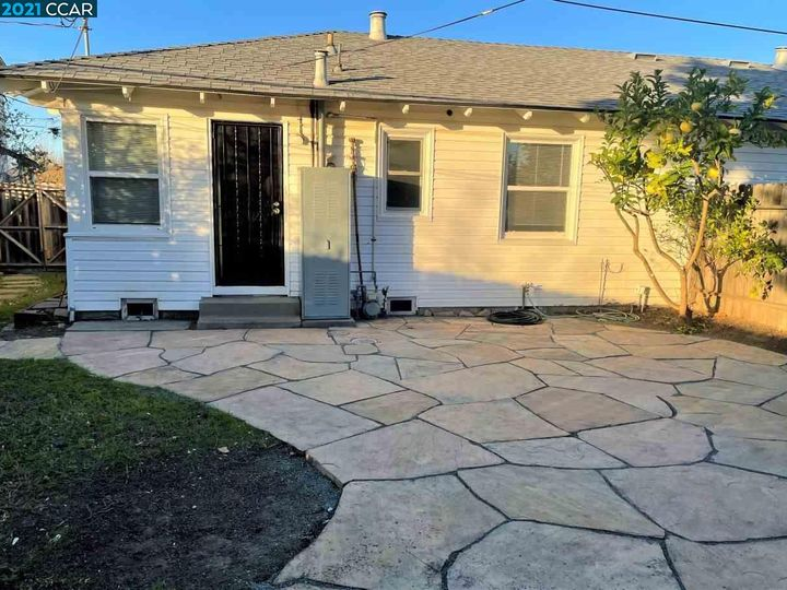 9 W Chanslor Ct Richmond CA Multi-family home. Photo 12 of 16