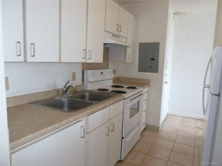 Rental 909 Ala Nanala St unit #1202, Honolulu, HI, 96818. Photo 5 of 12