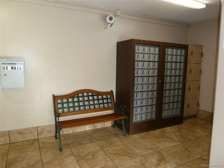 Rental 909 Ala Nanala St unit #1202, Honolulu, HI, 96818. Photo 10 of 12