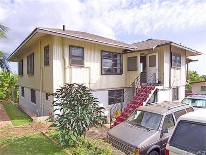 99-820 Halawa Hts Rd Aiea HI Home. Photo 5 of 10