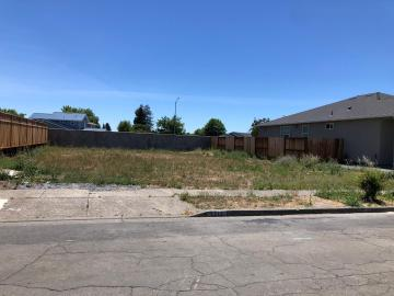 1212 Starview Dr, Santa Rosa, CA