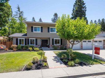 123 Gatetree Ct, Woodmont, CA