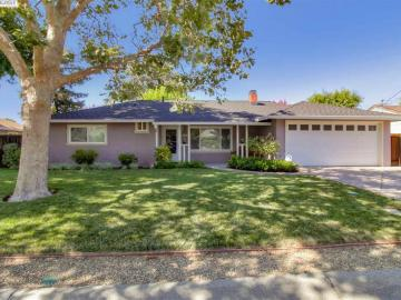 136 Sylvia Dr, Gregory Gardens, CA