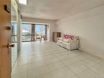 1750 Kalakaua Ave unit #1104, Mccully, HI
