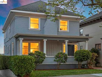 2040 Oakland Ave, Central Piedmont, CA