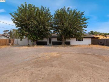 27110 S Corral Hollow Rd, Tracy, CA