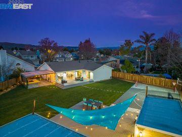 3678 Wyndham, Brookvale, CA