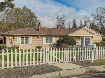 3744 Sundale Rd, Lafayette, CA