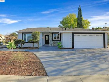 3912 Grand Canyon Ct, Valley Trails, CA