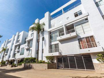 520 S Barrington Ave unit #102, Los Angeles, CA