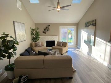 689 Colusa Way Livermore CA Home. Photo 4 of 35