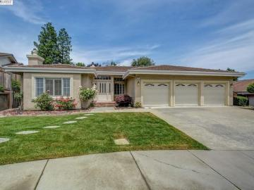 7875 Lafayette Ct, Forest Hills, CA