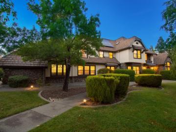 8001 Jorgensen Ln, Pleasanton, CA