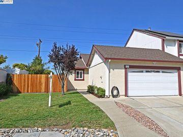 836 Bellflower St Livermore CA Multi-family home. Photo 1 of 23