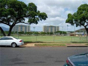 Rental 941011 Kahuamoku St, Waipahu, HI, 96797. Photo 3 of 8